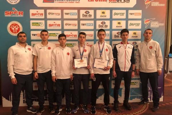 Сребърен медал за Теодор Здравков и бронзов медал за Димитър Петров от Европейско клубно първенство